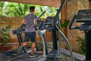 The fitness centre and/or fitness facilities at Amiana Resort Nha Trang