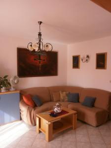 Coin salon dans l'établissement Guest House Zaninović