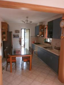 Cuisine ou kitchenette dans l'établissement Guest House Zaninović