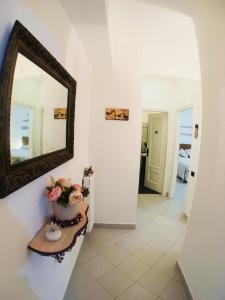 A bathroom at B&B Le Bouganville