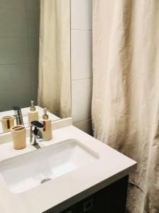 Un baño de Sofistic Apartments