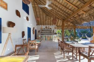 A restaurant or other place to eat at Punta Rucia Lodge