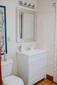 A bathroom at Mouton Plantation