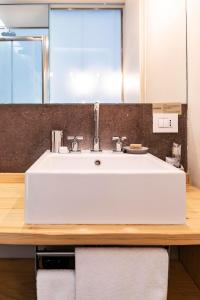 A bathroom at BC MAISON bed&cafe Milano