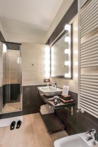 A bathroom at La Corte Di Giulietta
