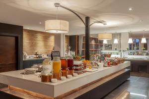 Restaurant ou autre lieu de restauration dans l'établissement Radisson BLU Hotel & Spa, Little Island Cork