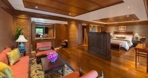The lobby or reception area at Sheraton Grande Sukhumvit, a Luxury Collection Hotel, Bangkok - SHA Certified