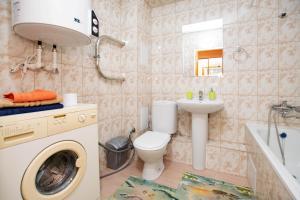 Ванная комната в Данилиха Студия