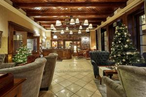 The lounge or bar area at Grand Hotel Stamary
