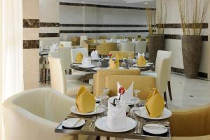 مطعم أو مكان آخر لتناول الطعام في Meshal Madina Hotel 2