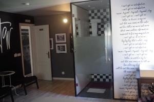 Una cocina o zona de cocina en Rock Star