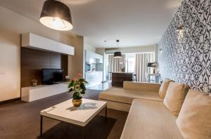 A seating area at Orhideea Residence & Spa