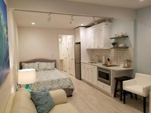 A kitchen or kitchenette at Ocean Vista Resort
