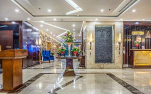 O saguão ou recepção de Almuhaidb Residence Al Jubail