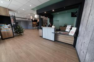 The lobby or reception area at B&B Hotel LE HAVRE Centre Gare