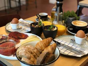 Breakfast options available to guests at Mañana Mañana