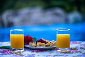 Breakfast options available to guests at Hotel Las Cascadas
