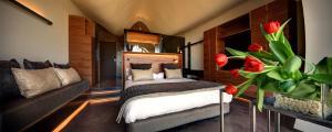 Cama o camas de una habitación en Mastinell Cava & Boutique Hotel by Olivia Hotels Collection