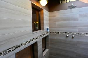 A bathroom at Minen Hotel
