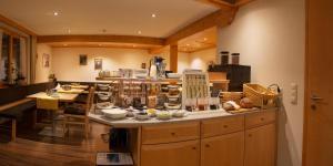 Ein Restaurant oder anderes Speiselokal in der Unterkunft Hotel Garni Ragaz