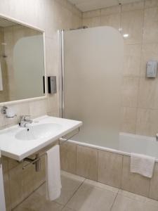 A bathroom at Hotel Monaco