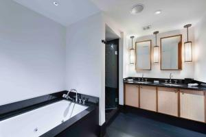A bathroom at 2 Bedroom Oceanview Private Residence at The Setai - 2704