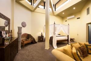 A seating area at Jamala Wildlife Lodge