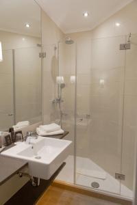 A bathroom at Europa Hotel Kühlungsborn