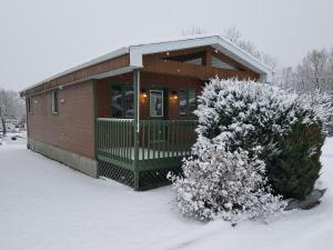 Motel Le Riviera during the winter