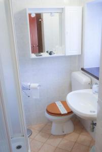 A bathroom at Indren Hus