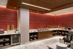 A restaurant or other place to eat at Residence Inn by Marriott Washington Downtown/Convention Center