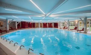 The swimming pool at or close to Le Grand Hôtel Le Touquet-Paris-Plage