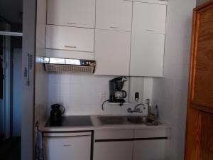 A kitchen or kitchenette at Studio Jorn