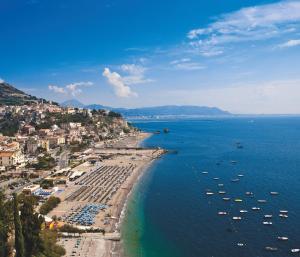A bird's-eye view of Hotel Voce del Mare