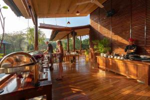 A restaurant or other place to eat at Phu Quoc Bambusa Resort