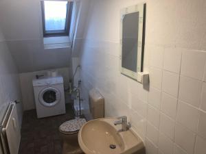 A bathroom at Wondervolles zuhause auf Zeit