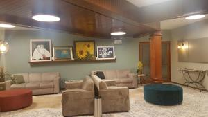 A seating area at San Bernardo Park Hotel