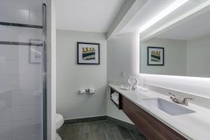 Ванная комната в Holiday Inn Melbourne - Viera Conference Center, an IHG Hotel
