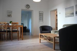 A seating area at Ferienwohnung mit Garten