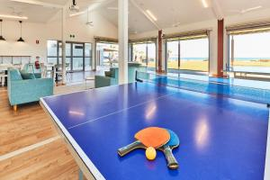 Ping-pong facilities at RAC Monkey Mia Dolphin Resort or nearby