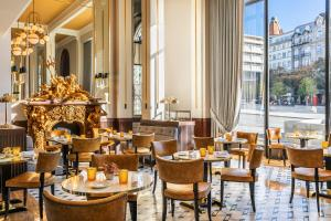 A restaurant or other place to eat at Maison Albar Hotels Le Monumental Palace