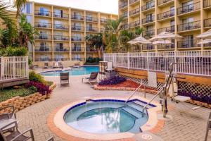 The swimming pool at or near DoubleTree by Hilton Hotel Tampa Airport-Westshore