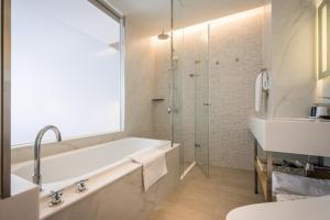 A bathroom at Green World NanGang