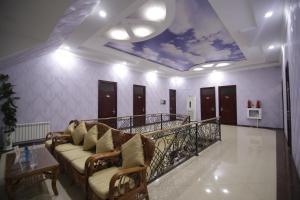 Лобби или стойка регистрации в Khujand Deluxe Hotel
