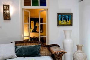 A seating area at Riad Emotion