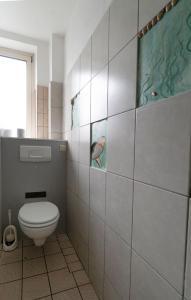 A bathroom at Hostel Aachen