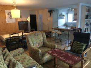 Ein Sitzbereich in der Unterkunft Casa Pramalinis - Manstein
