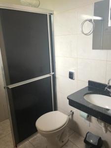 A bathroom at Residence Hotel Ltda