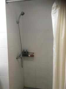 A bathroom at Beverly Dago Apartment