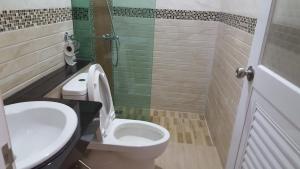 A bathroom at JP Resort Koh Tao